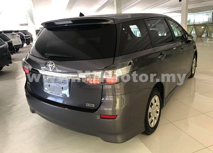 2014 – TOYOTA WISH 1.8 X – GREY